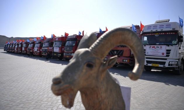 于2016年11月13日在瓜德尔港口拍摄的中国货车 图片来源:法新社/ Aamir Qureshi