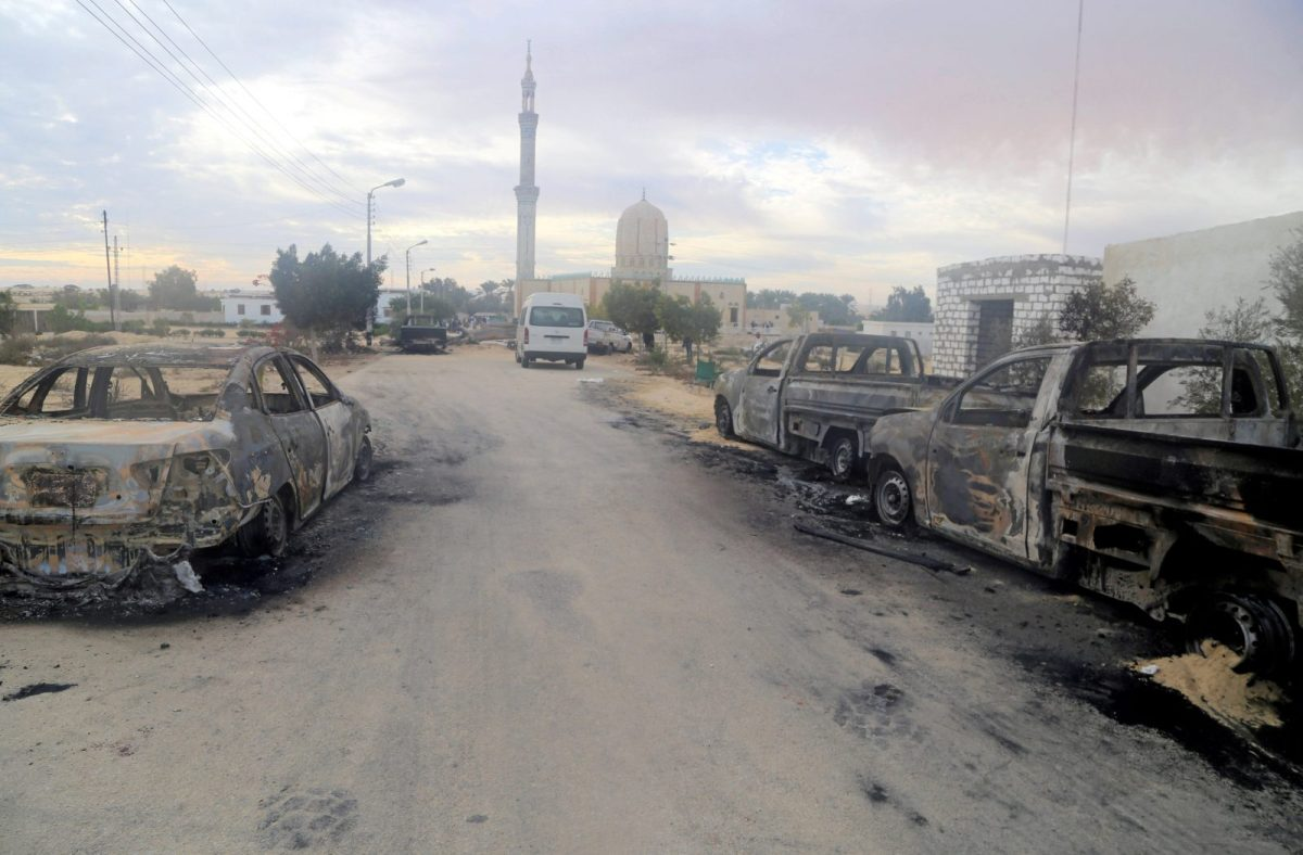 Damaged vehicles are seen after a bomb exploded at Al Rawdah mosque in Bir Al-Abed, Egypt, killing more than 300, on November 25, 2017. Photo: Reuters / Mohamed Soliman