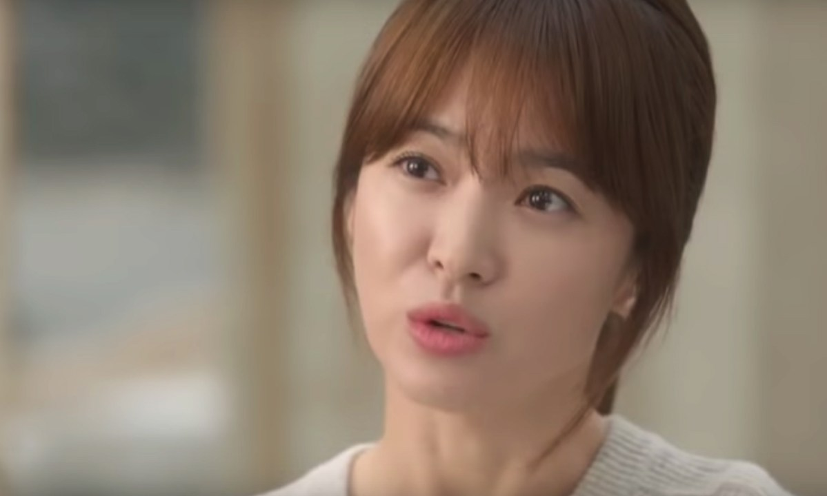 Song Hye-kyo starred as doctor in Descendants of the Sun. Photo: Descendants of the Sun, Youtube