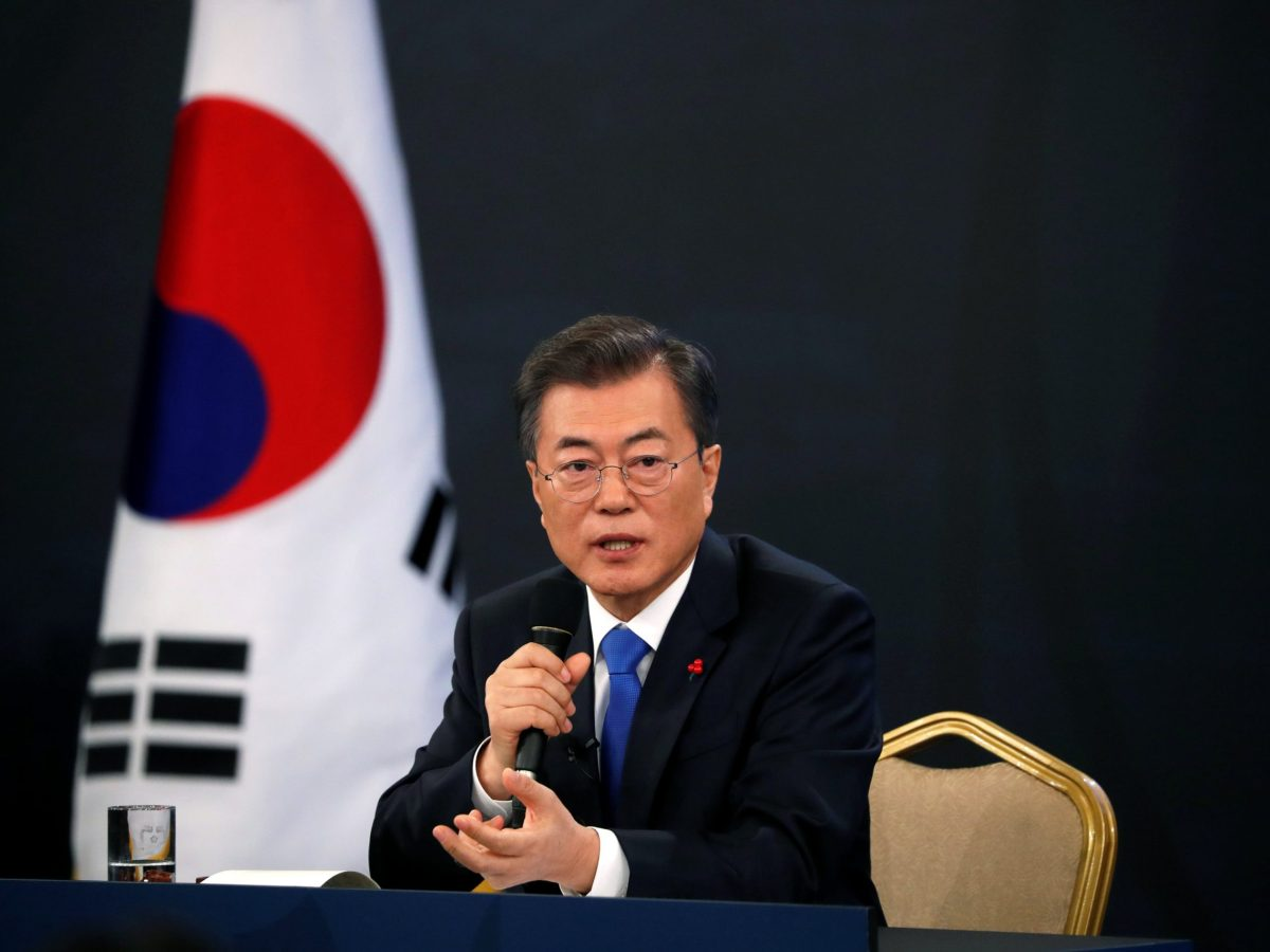 South Korean President Moon Jae-in answers reporters' questions during his New Year news conference at the Presidential Blue House in Seoul, South Korea, January 10, 2018.  Photo: Reuters / Kim Hong-Ji