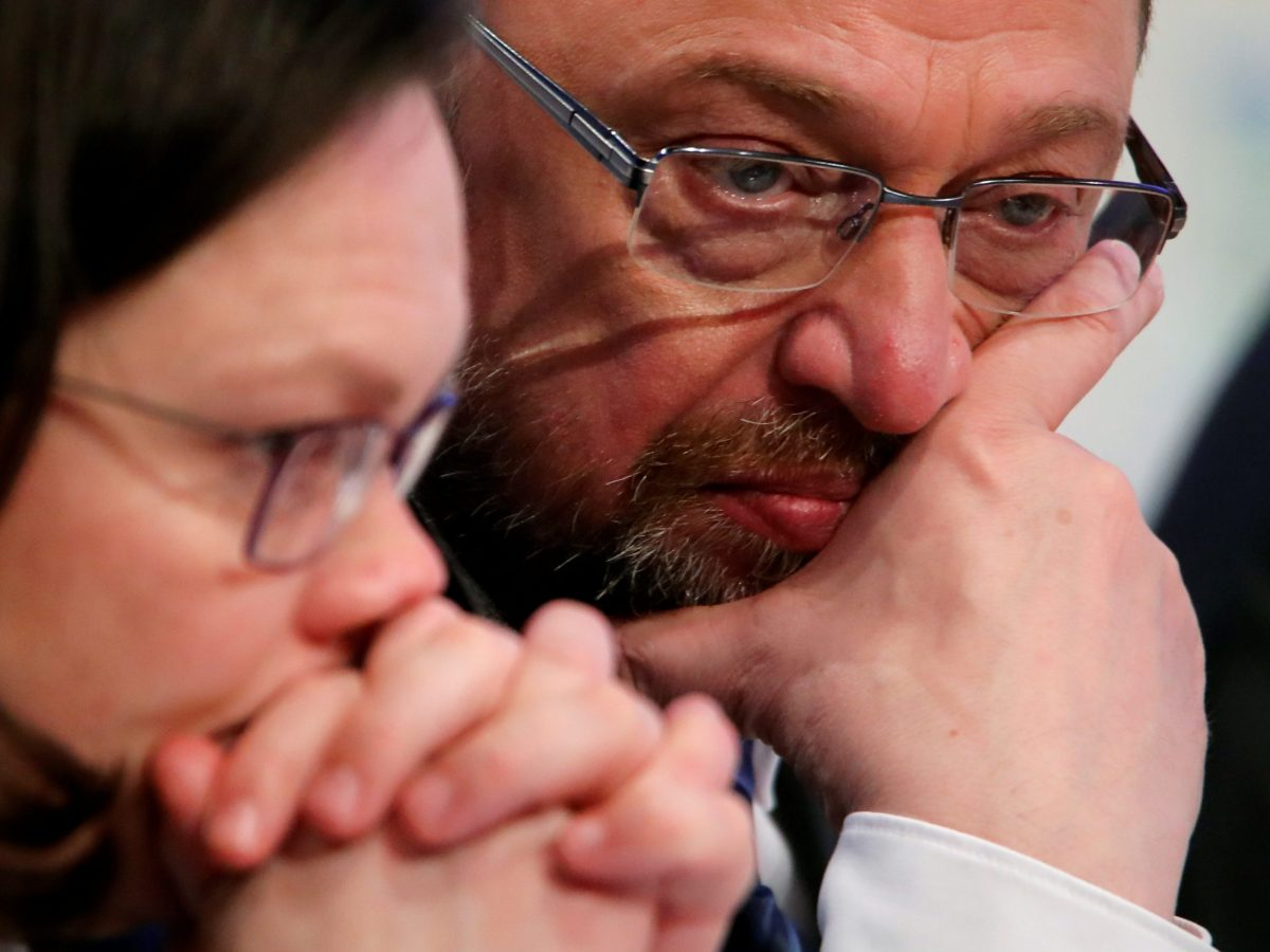 Germany's Social Democratic Party (SPD) leader Martin Schulz and SPD parliamentary group leader Andrea Nahles attend the SPD's one-day party congress in Bonn, Germany, January 21, 2018. Photo: Reuters/Wolfgang Rattay