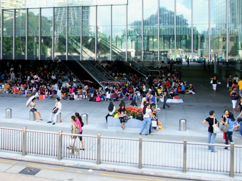 Foreign domestic workers gather in Hong Kong. Photo: Wikimedia Commons, Mk2010