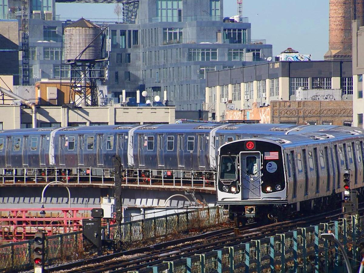 Jamaica Center-bound MTA NYC Subway J train. Photo: Wikipedia