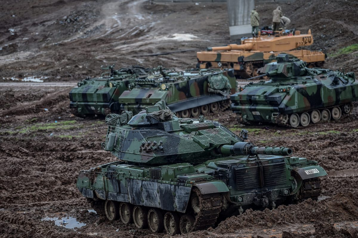 "Turkish army tanks stationed near the Syrian border in operation ""Olive Branch"". Photo: AFP / Ozan Kose"