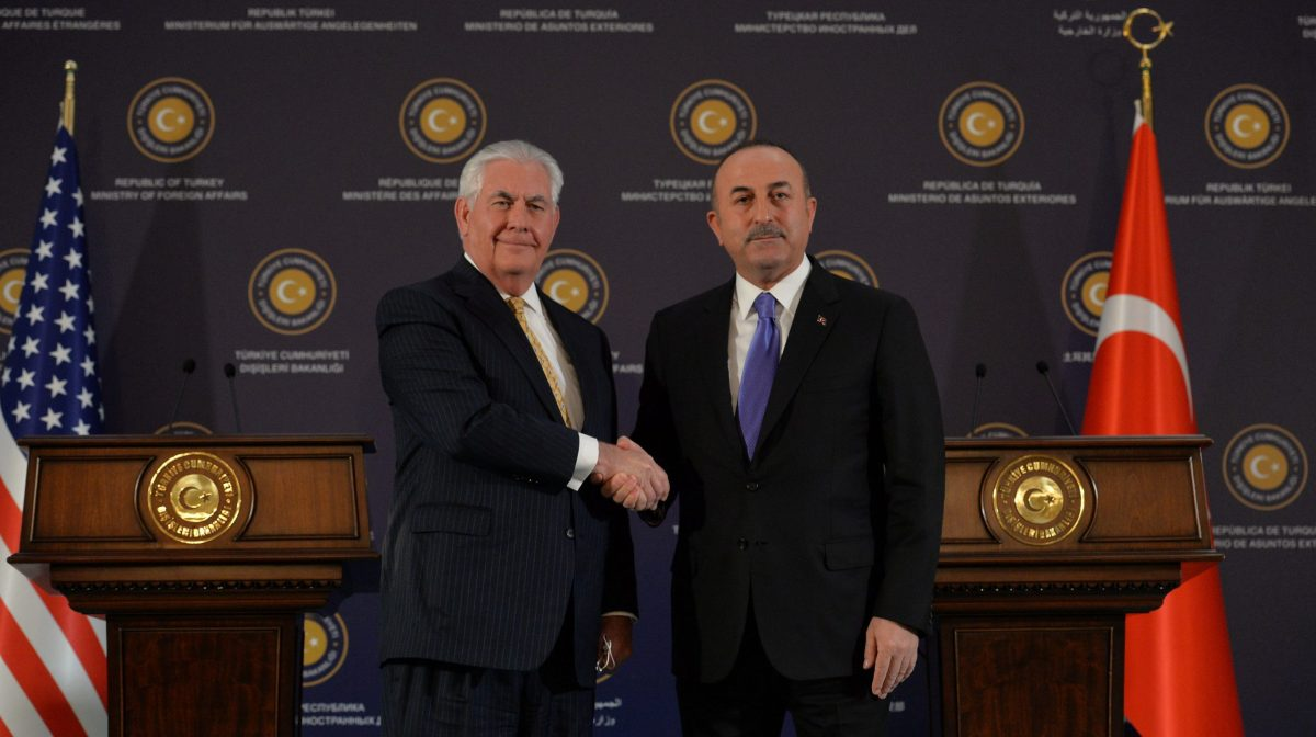 US Secretary of State Rex Tillerson shakes hands with Turkish Foreign Minister Mevlut Cavusoglu after a news conference in Ankara, Turkey, on February 16, 2018. Photo: Reuters
