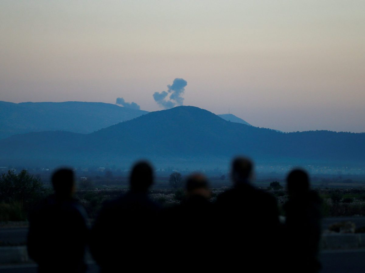 Smoke rises from Syria's Afrin region, pictured from near the Turkish town of Hassa, on the Turkish-Syrian border, on January 20, 2018. Photo: Reuters / Osman Orsal