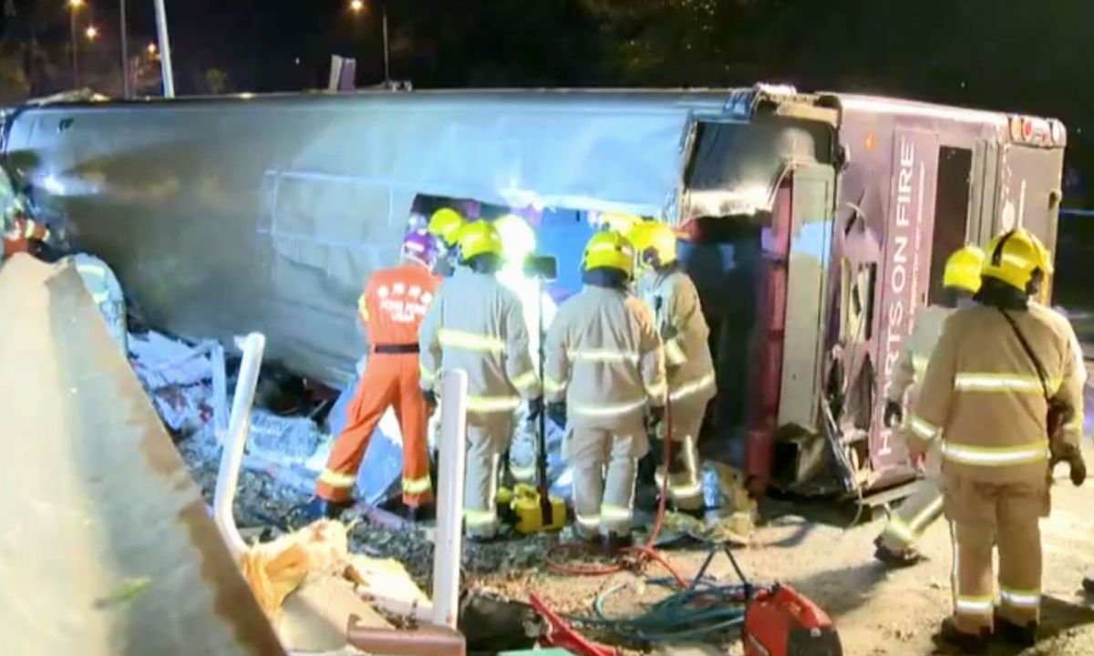 At least 18 people were killed in a traffic accident in Tai Po on Saturday evening. Photo: RTHK