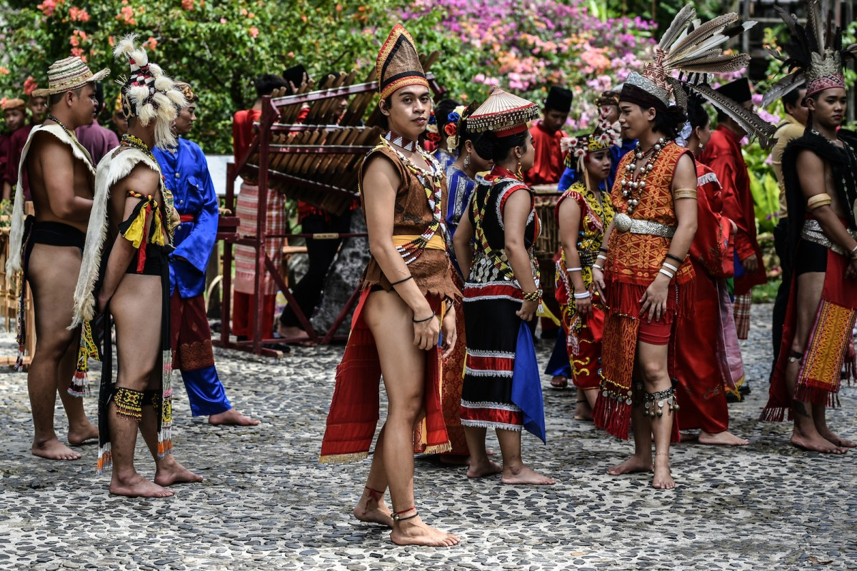 Traditional dancers at the Sarawak Cultural Village in Santubong, outside Kuching, on the island of Borneo, on November 6, 2017. Photo: AFP/Mohd Rasfan