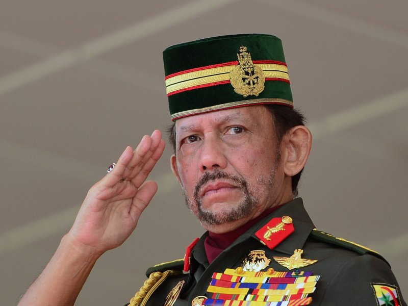 Brunei's Sultan Hassanal Bolkiah salutes during National Day celebrations in Bandar Seri Begawan, Brunei, February 24, 2018.  Photo: Reuters/Ahim Rani