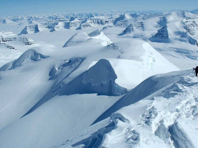 Dome Argus, the coldest place in Antartica and on Earth. Photo: Blogspot