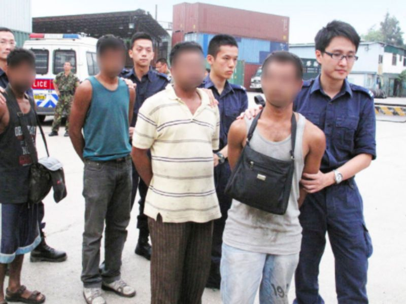 Police and Immigration Department officers conduct a joint operation targeting illegal workers. Photo: HK Government