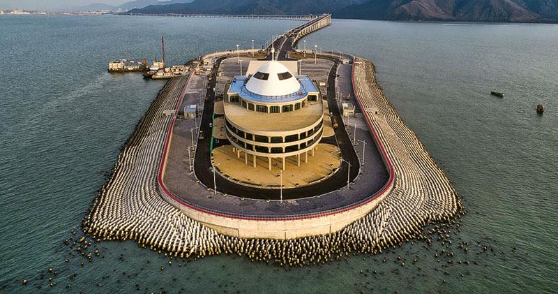 Tetrapods appear to be falling into the sea, as seen in a recent drone photo of the eastern artificial island of the Hong Kong-Zhuhai-Macau Bridge. Photo: Handout