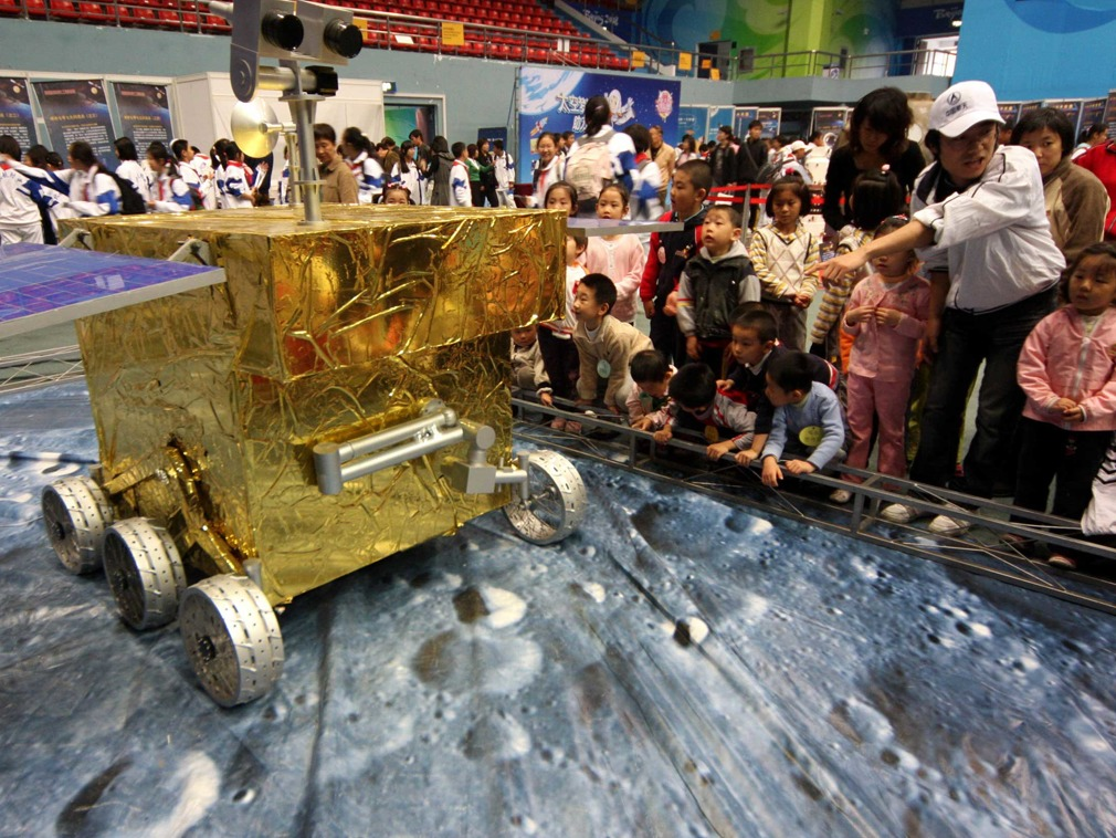 A Chang'e-4 lunar probe model is on display. Photo: Xinhua