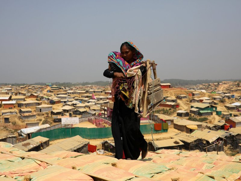 A Rohingya refugee woman at the Kutupalong refugee camp in Cox's Bazar, Bangladesh. Photo: Reuters/Mohammad Ponir Hossain