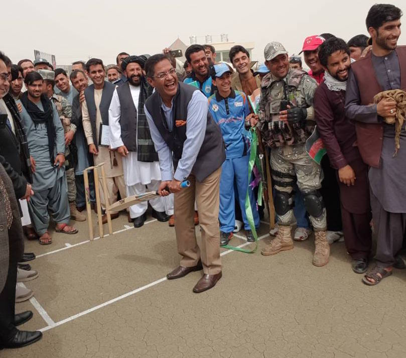 Outgoing Indian Ambassador to Afghanistan, Manpreet Vohra, shows his cricket prowess in Kabul. Photo: Courtesy of the Indian Embassy in Kabul