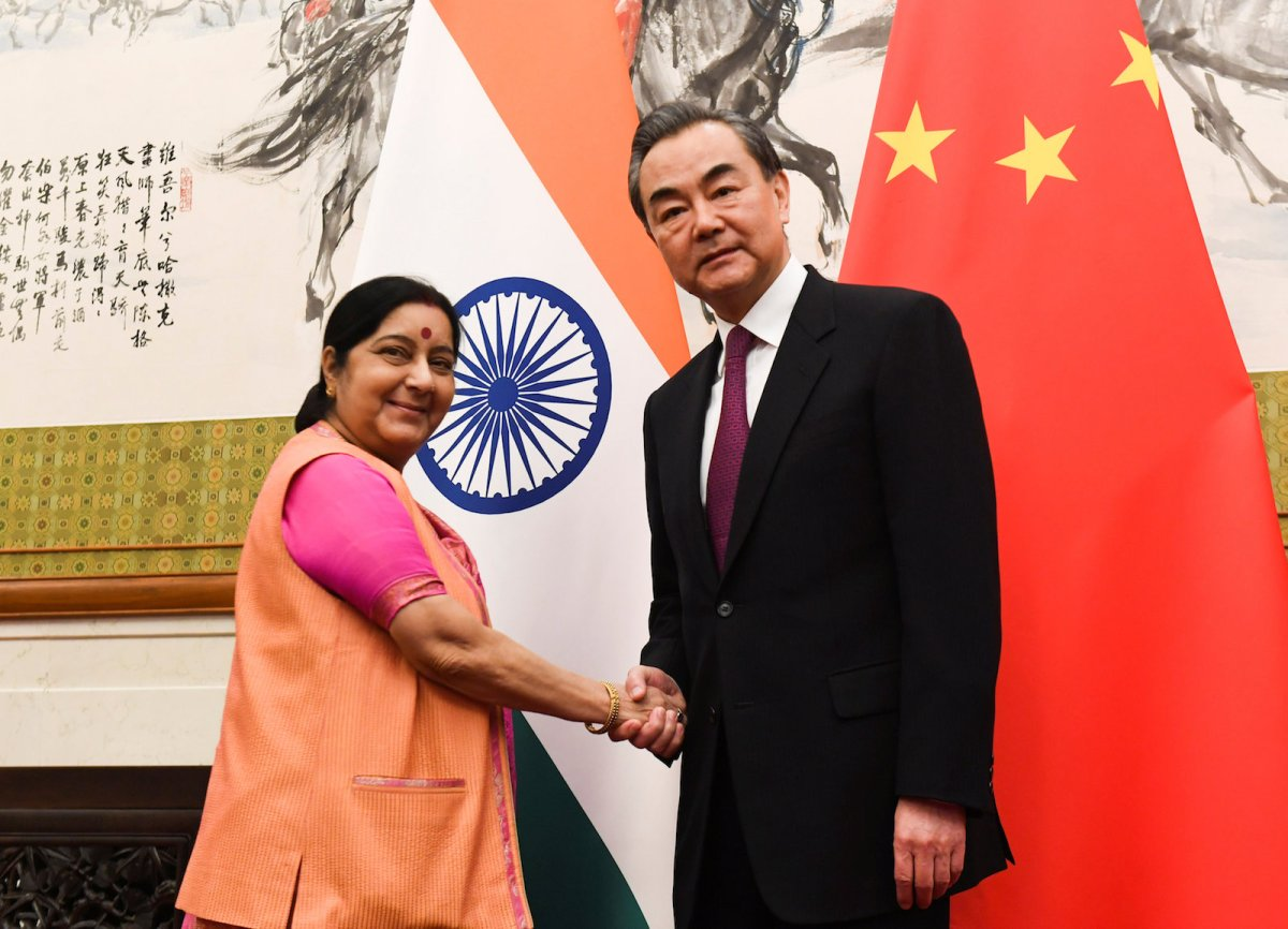 Indian External Affairs Minister Sushma Swaraj, left, shakes hands with Chinese Foreign Minister Wang Yi at the Diaoyutai State Guest House in Beijing on April 22, 2018. Photo: Reuters via Madoka Ikegami/Pool