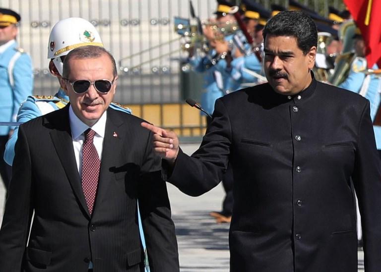 Venezuelan President Nicolas Maduro (R) and Turkish President Recep Tayyip Erdogan. Photo: AFP