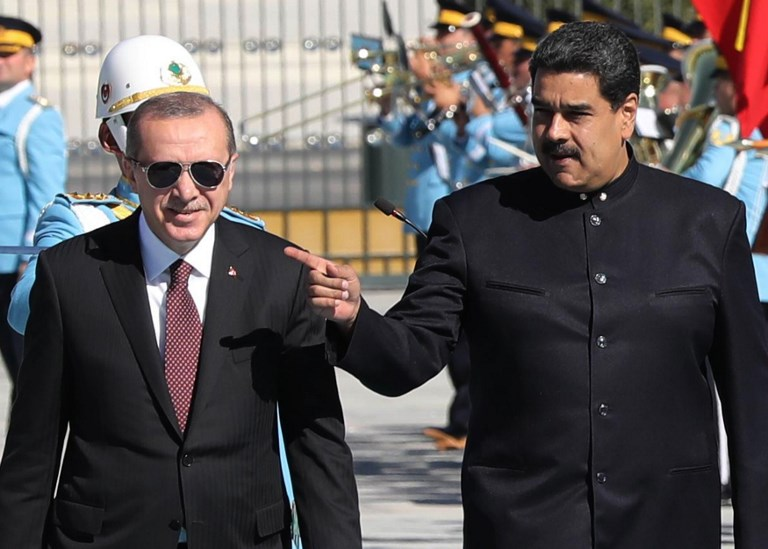 Venezuelan President Nicolas Maduro (R) and Turkish President Recep Tayyip Erdogan. Photo: AFP