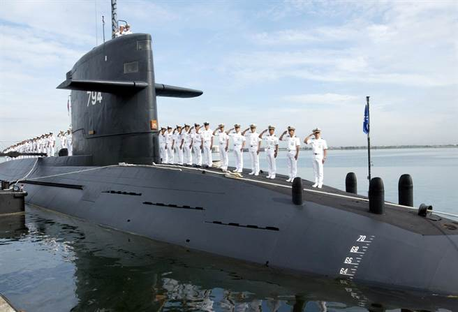 A file photo of one of the two Hai Lung class submarines in service with the Taiwanese Navy. These subs are old and badly in need of a major overhaul. Meanwhile, new subs would cost billions and take a decade to deliver. Photo: National Defense Ministry of Taiwan