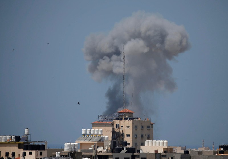 Smoke rises following an Israeli air strike in Gaza May 29. Photo: Reuters/Suhaib Salem