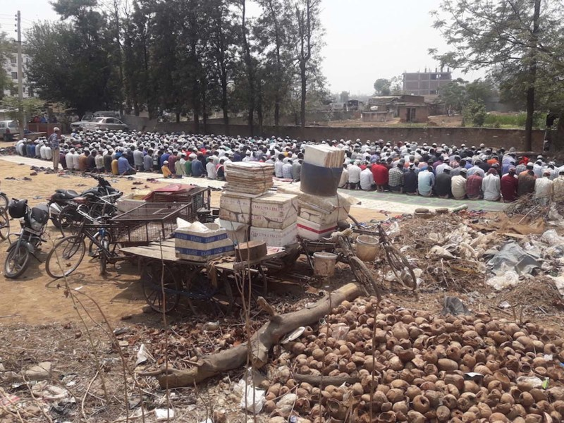 Indian Muslims offer prayers on a Friday in Gurgaon, a suburb of Delhi, under police protection. Photo: Inder Singh Bisht