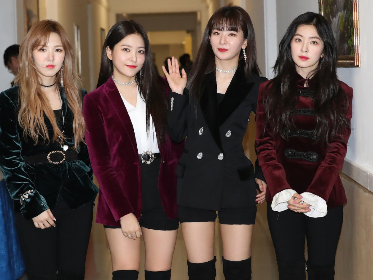 Members of the K-pop group Red Velvet pose for a photo after their Pyongyang  concert. Photo: AFP