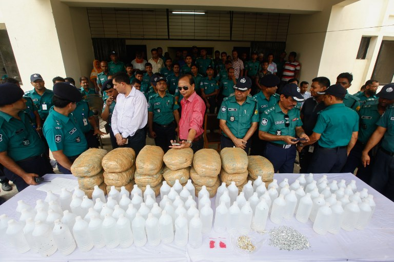 Bangladeshi police display confiscated narcotics in Dhaka. Photo: NurPhoto via AFP/Mehedi Hasan