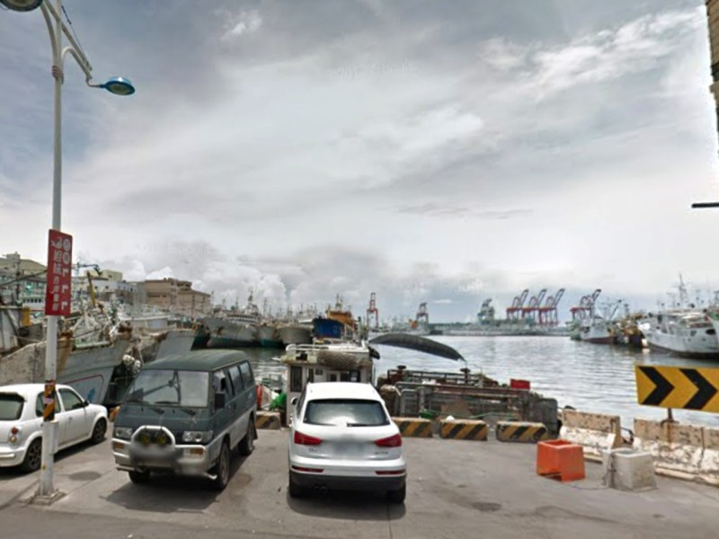A Filipino man tried to kill himself in Ch'ien-chen Harbor in Kaoshiung. Photo: Google Maps
