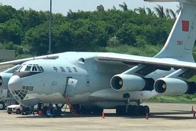 A Chinese IL-76 transport plane spotted landing in Davao City, Philippines on Friday. Photo: Jose Antonio Custodio Facebook page