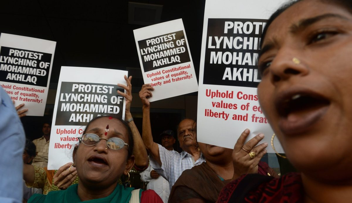 Protesters shout slogans during a demonstration to condemn the lynching and murder of an Indian Muslim in Mumbai on October 6, 2015. Photo: AFP/Inranil Mukerjee