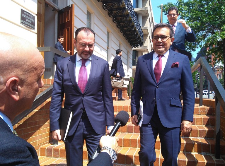Mexican Foreign Minister Luis Videgaray and Economy Minister Ildefonso Guajardo leave a meeting with US trade officials in Washington. Photo: AFP/Alina Dieste