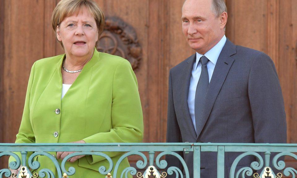 俄羅斯總統普京和德國總理默克爾在德國德國政府別墅梅塞堡會面。相片:AFP / Sergey Guneev / Sputnik