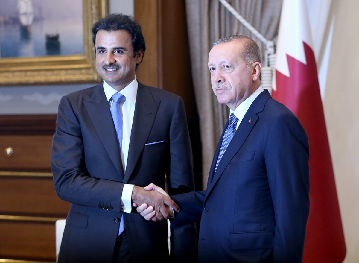 Qatari Emir Sheikh Tamim bin Hamad al-Thani (L) and Turkey's Recep Tayyip Erdogan during their meeting after an official welcoming ceremony at Presidential Complex in Ankara, Turkey, on August 15, 2018. Photo: AFP/Murat Kula/Anadolu Agency