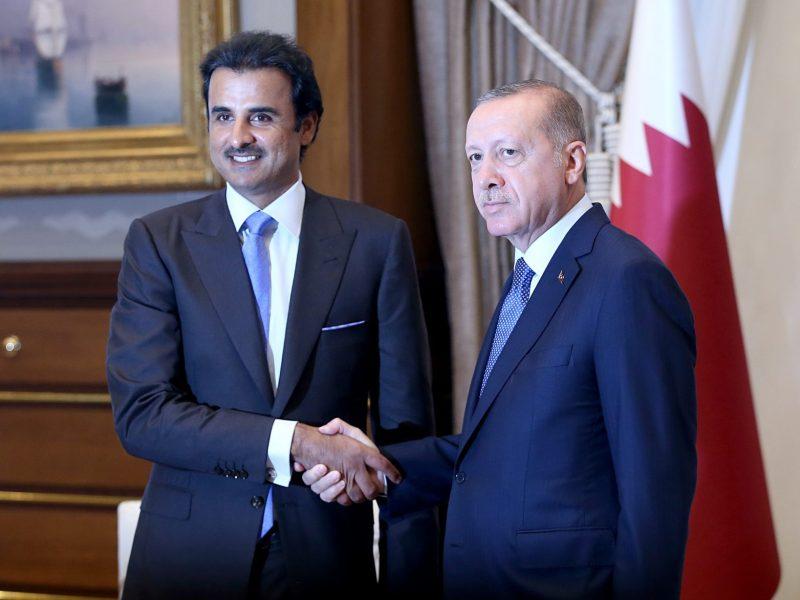 Qatari Emir Sheikh Tamim bin Hamad al-Thani (L) and Turkey's Recep Tayyip Erdogan during their meeting after an official welcoming ceremony at Presidential Complex in Ankara, Turkey, on August 15, 2018. Photo: AFP/Murat Kula/Anadolu Agency