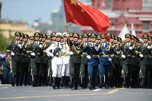 A file photo of a PLA guard of honor taking part in a military parade in Moscow's Red Square. Photo: Xinhua