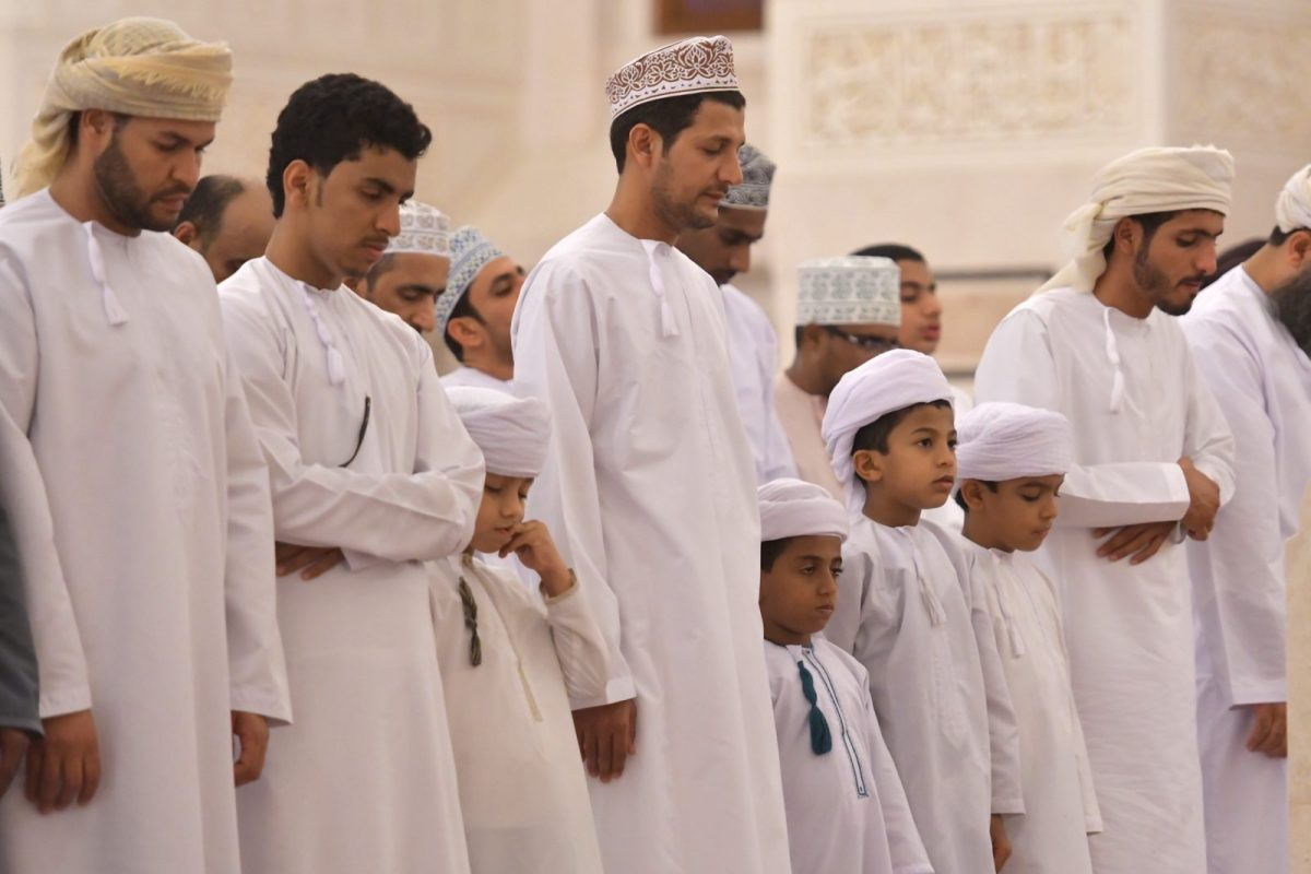 Worshippers pray at Muscat's Sayyida Mazoon mosque in the Gulf sultanate of Oman. Photo: AFP / Giuseppe Cacace