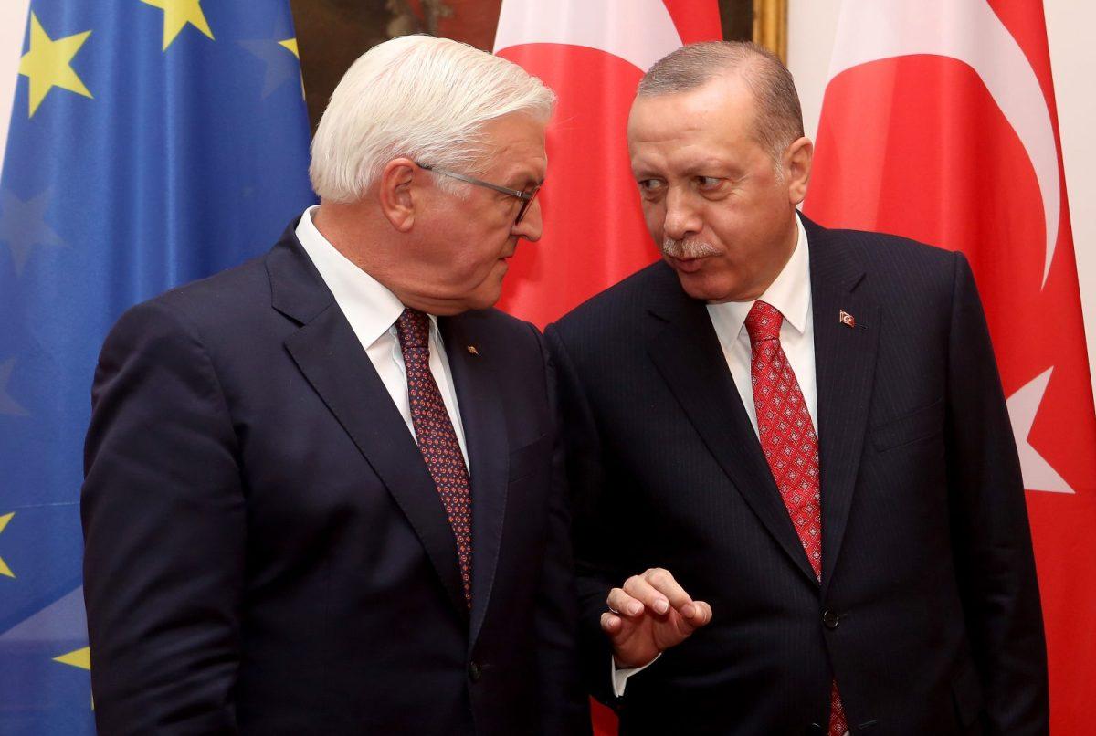 German President Frank-Walter Steinmeier (L) and Turkish President Recep Tayyip Erdogan at a state dinner at Bellevue presidential palace in Berlin on September 28, 2018. Photo: AFP/Adam Berry