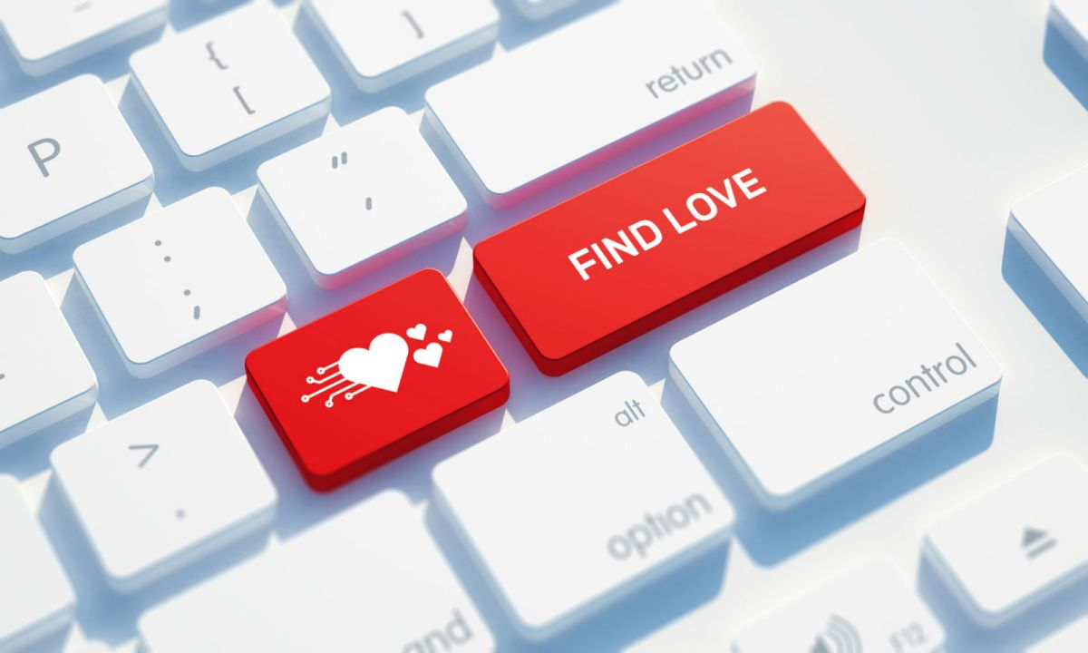 The elderly woman met the man online through a dating website. Photo: iStock