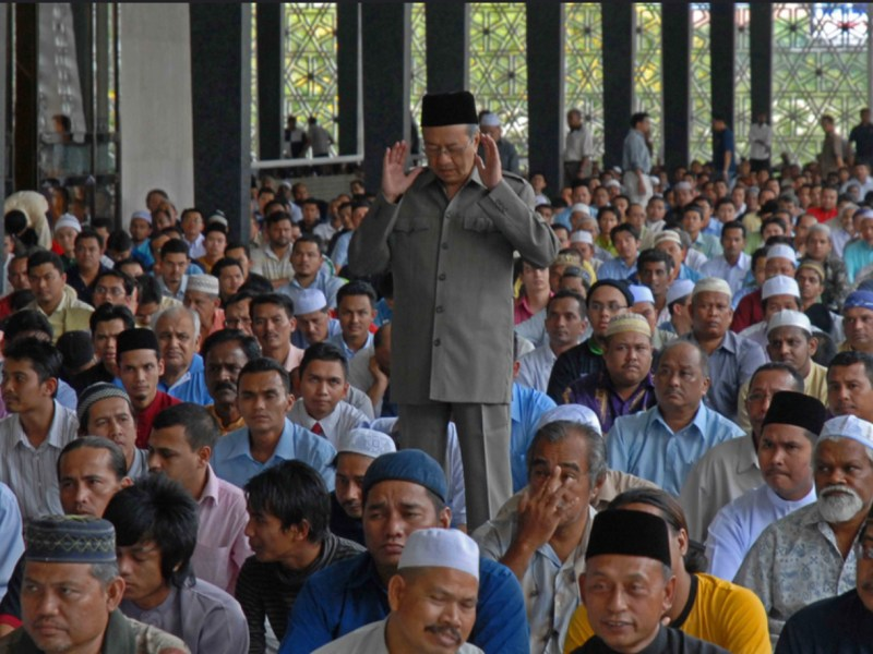 Malaysian Prime Minister prays at the Negara mosque in a file photo. Photo: Flickr