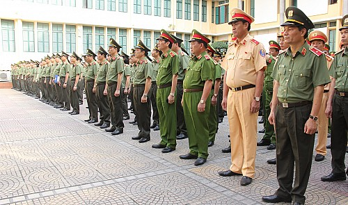 A file picture of police officers parading in Vietnam. Photo:  Wikimedia Commons