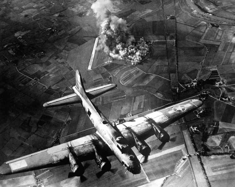 Unleashing hell, a Flying Fortress during the Allies bombing campaign against Germany in World War II. Photo: Shutterstock / Everett Historical