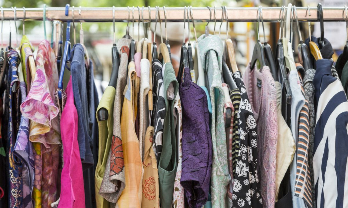Employer criticized for search for second-hand clothes. Photo: iStock