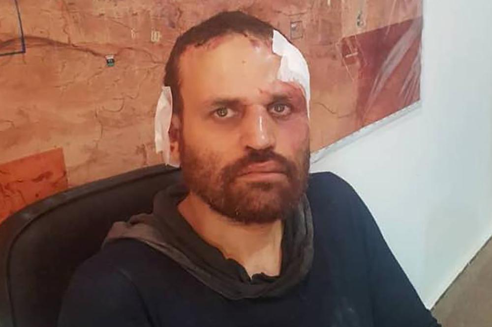 أعلن الجيش الليبي يوم الإثنين القبض على هشام عشماوي، وهو ضابط سابق في القوات المسلحة المصرية والذي انضم للحركات المسلحة بعد فصله من الجيش في 2012. صورة:  ا ف ب / القوات المسلحة الليبية