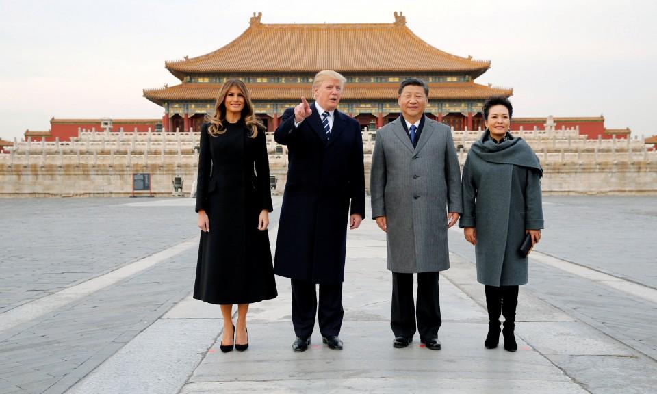 更快樂的時光:美國總統特朗普和第一夫人梅拉尼婭與中國國家主席習近平和中國第一夫人彭麗媛一同訪問北京紫禁城。相片:Reuters / Jonathan Ernst