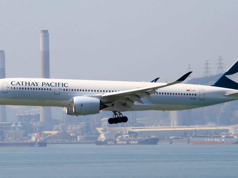 A Cathay Pacific plane lands in Hong Kong. Photo: iStock