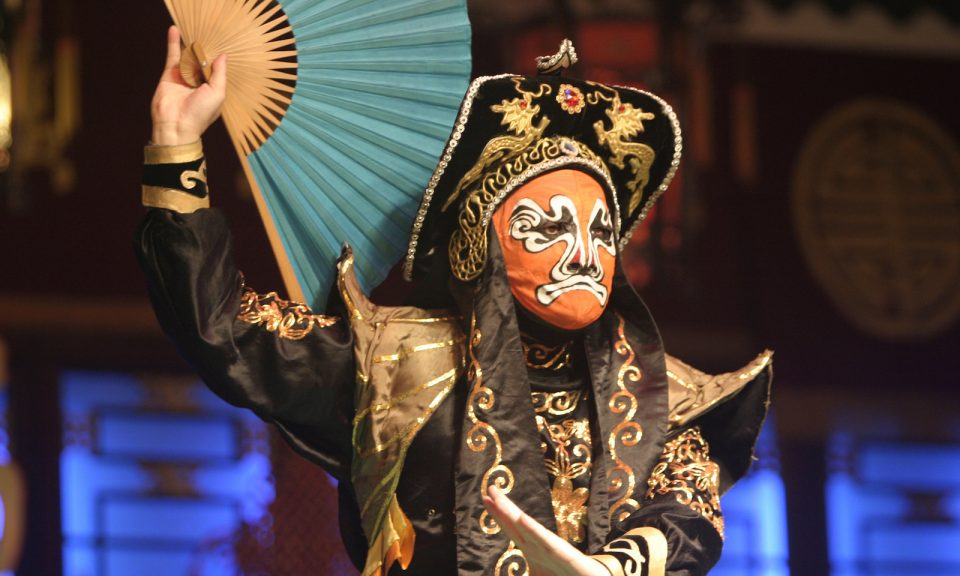 就像中國傳統戲曲一樣,在北京的言論和行動方面,你看到和得到的是兩回事。相片:iStock