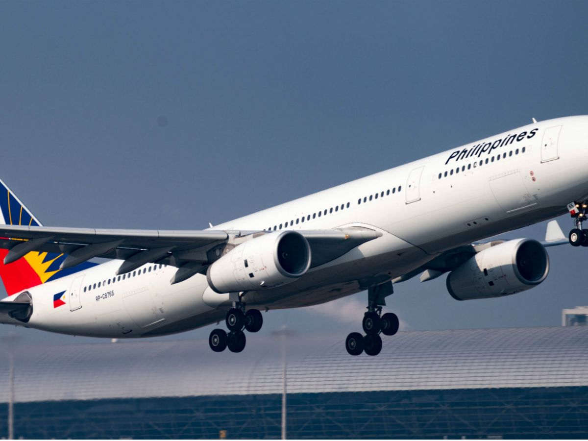 Philippine Airlines have warned the public against purchasing tickets on social media websites such as Facebook. Photo: Wikimedia Commons