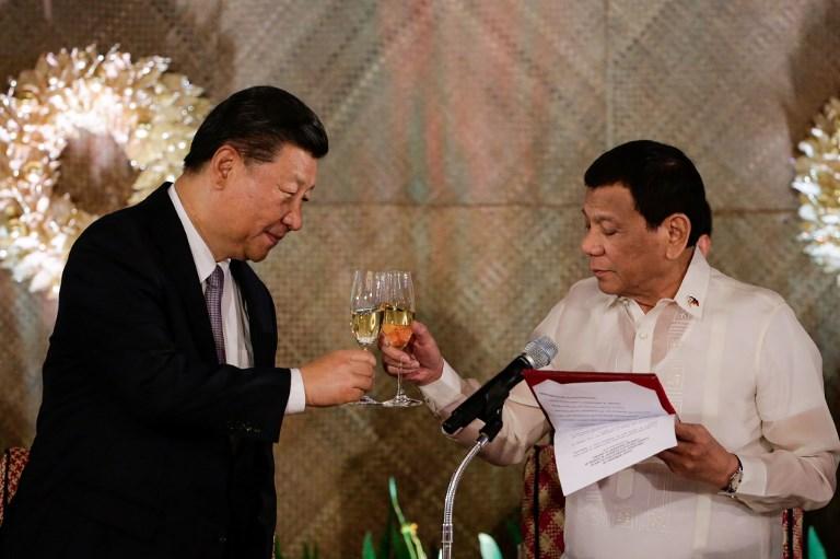 Chinese President Xi Jinping and Philippine President Rodrigo Duterte. Photo: AFP/Mark Cristino