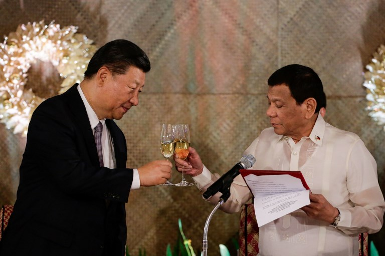 Chinese President Xi Jinping and Philippine President Rodrigo Duterte. Photo: AFP/Mark Cristino