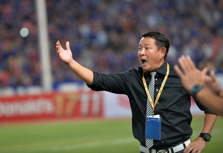 Taiwan coach Chen Kuei-jen gestures during of the 2018 FIFA World Cup Qualifier asian group F match against Thailand at Rajamangala Stadium in Bangkok, Thailand on November 12, 2015. Thailand won 4-2. Photo: AFP